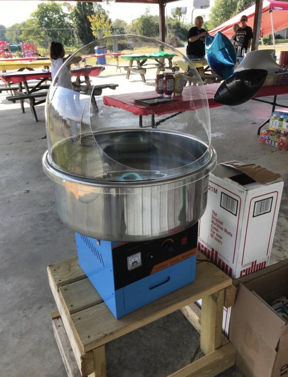 Cotton Candy Machine (Supplies included)